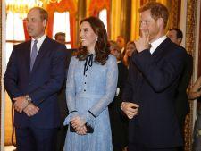 Kate Middleton, primele imagini cu burtica de gravida!