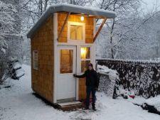 Un copil de 13 ani a construit cea mai mica locuinta din lume! Are doar 8 metri patrati