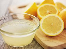 8 motive sa bei apa calda cu miere si lamaie in fiecare dimineata