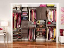 """""""Ce fac cu hainele pe care nu le mai port?"""" Hai sa-ti spun unde le poti vinde sau dona in Bucuresti"""