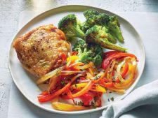 Pulpe de pui cu broccoli si ardei sotat - o reteta rapida, dar dietetica