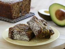 Chec cu avocado si cacao – o reteta sanatoasa, perfecta pentru cei care sunt la dieta