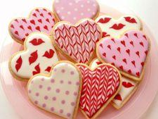Biscuiti cu unt, decorati cu Royal Iceing pentru Sfantul Valentin