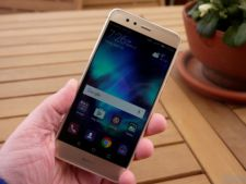 FBI recomanda sa nu folositi telefoanele Huawei. Ce spune compania