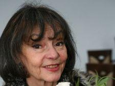 "Marina Voica, sfaturi despre relatii: ""In general, barbatul iubeste mai mult decat femeia"""