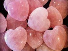 Expertul Acasa.ro, astrolog Andreea Dinca: Cristale care atrag dragostea