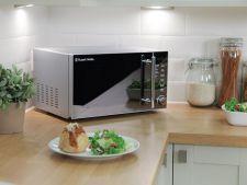 Cum sa cureti cuptorul cu microunde apeland la substante naturale