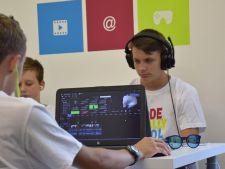 Distractie si educatie in vacanta! Beneficiile taberelor urbane de programare si tehnologie de vara