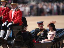 Meghan Markle, tinuta spectaculoasa la ziua reginei Elisabeta. A incalcat din nou dress codul regal
