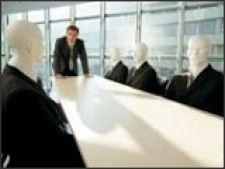 Majoritatea managerilor romani prefera conducerea autoritara