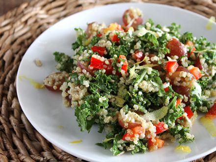 Salata cu somon si varza kale, pentru cine rapide