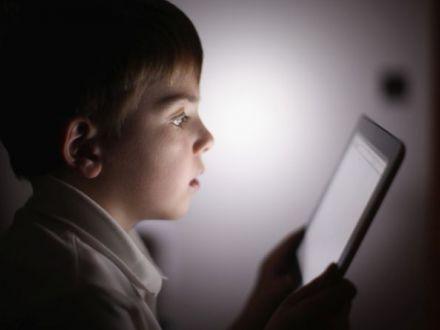 7 motive pentru care ar trebui interzisa utilizarea gadgeturilor pana la 12 ani