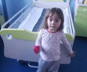 Mesajul emotionant al unei fetite de 3 ani care lupta pentru viata ei VIDEO