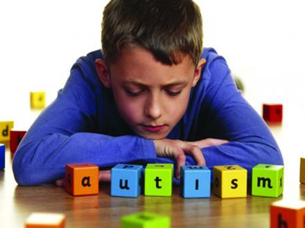 Sperantele parintilor copiilor cu autism, naruite de problemele de sistem din Romania