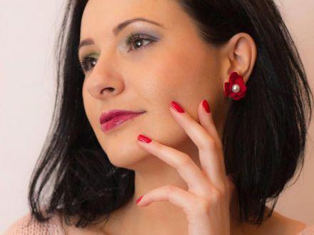 Super-mame: Adelina si bijuteriile ei fabuloase din piele