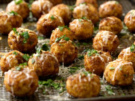 Gateste cu cel mic: Chiftelute de pui la cuptor