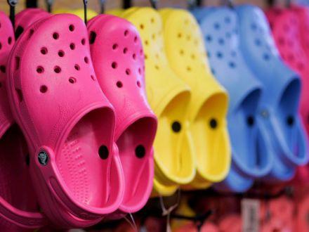 Porti papuci de plastic? De ce sa renunti la ei si cu ce ii poti inlocui
