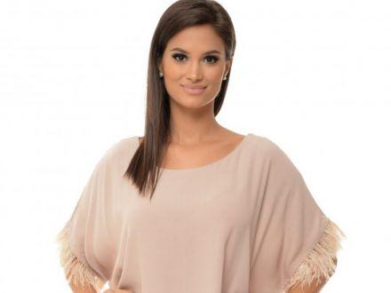 Camasi si bluze dama care nu se demodeaza niciodata. Sfaturi oferite de Larysa.ro