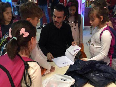 INTERVIU ACASA.RO Daniel Eberhat, scriitor, despre ce inseamna o carte buna pentru copiii