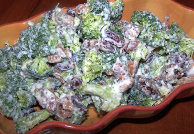 salata broccoli-sunca