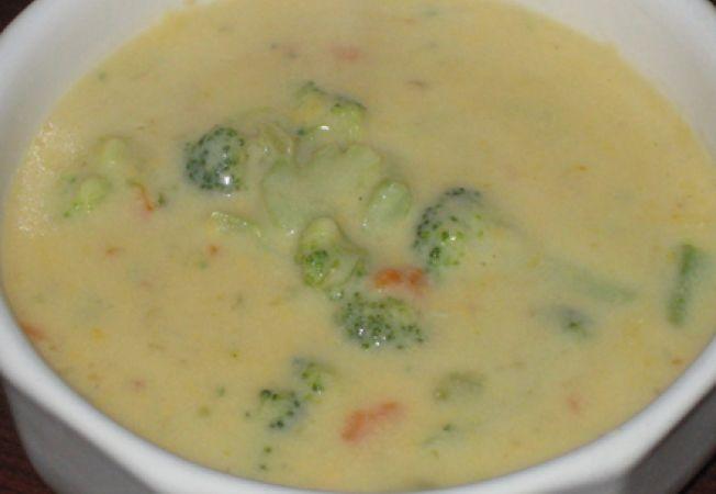 supa de broccoli cu branza