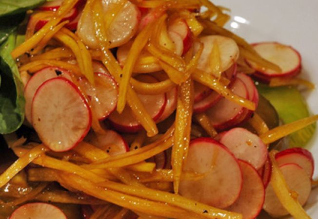salata ridichi morcovi