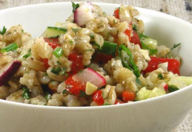 Salata de orz si legume