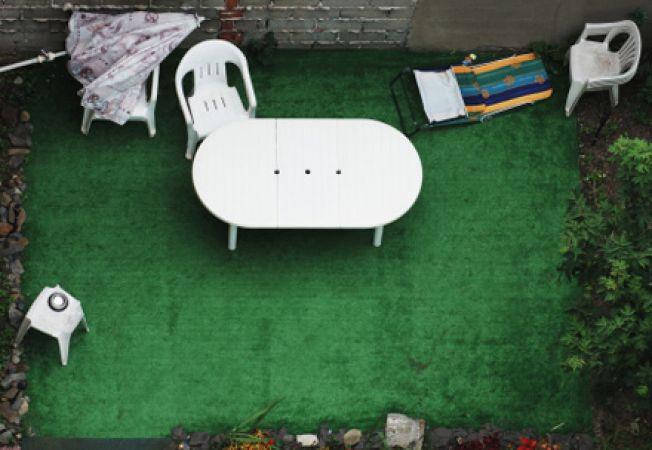 Cum sa cureti mobilierul de plastic din gradina