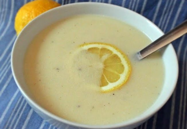 Supa greceasca de lamaie