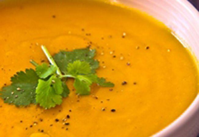 Supa de morcovi si coriandru