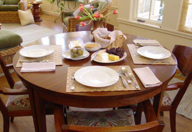 Greseli facute de gazda la o masa cu invitati