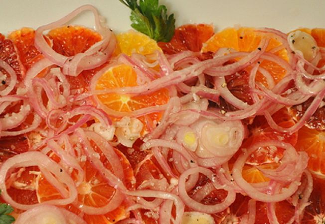 Salata de portocale rosii cu ceapa