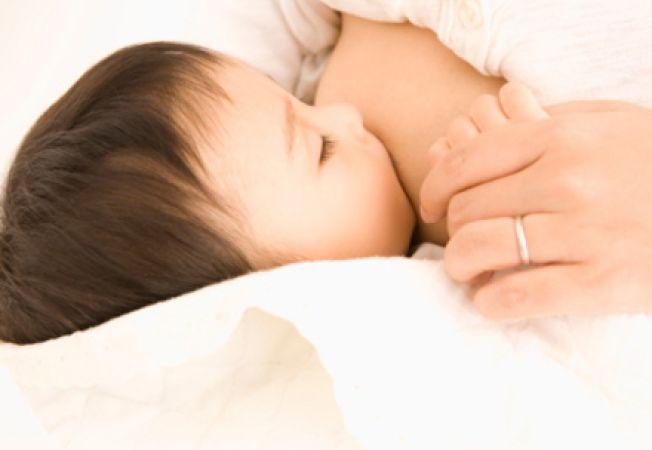 Bebelusul tau mananca suficient? Iata cum iti poti da seama