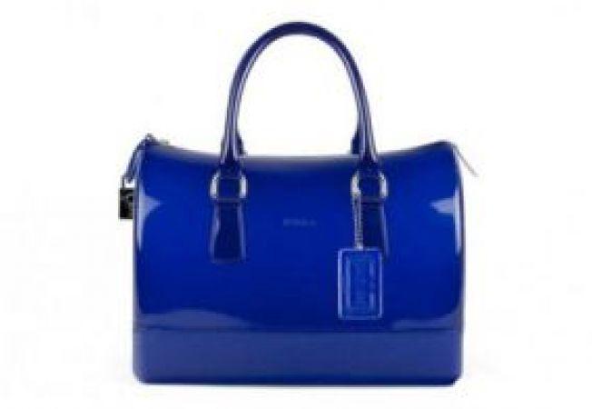 Trend zone: geanta din plastic