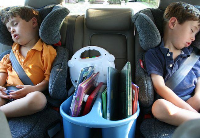 Sfaturi practice pentru calatoria cu mai multi copii