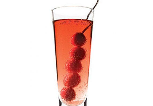Cocktail de afine cu sampanie