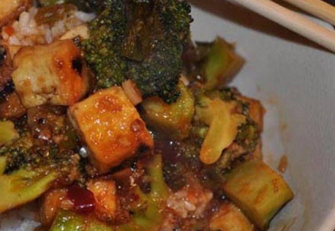 Broccoli cu tofu si usturoi