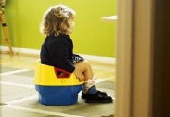 Cum sa-ti obisnuiesti copilul cu olita