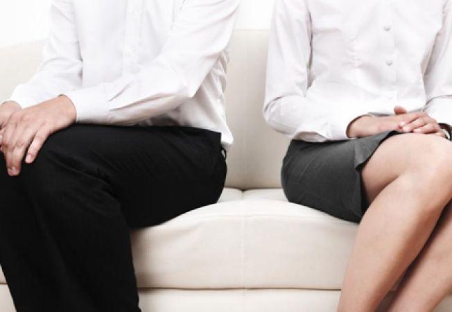 Barbatii devin gelosi cand e vorba de sex, femeile de iubire