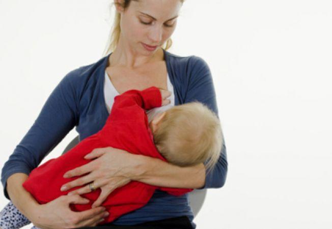 Alaptatul in public: ce trebuie sa stie orice mama