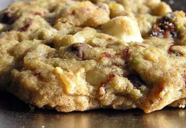 Gustari pentru copii: biscuiti cu pere si nuci