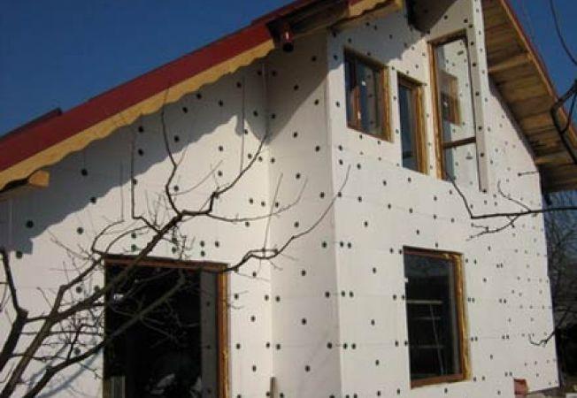 Izolarea casei pe cont propriu
