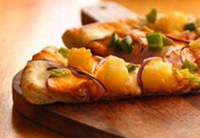 Pizza cu sunca si ananas