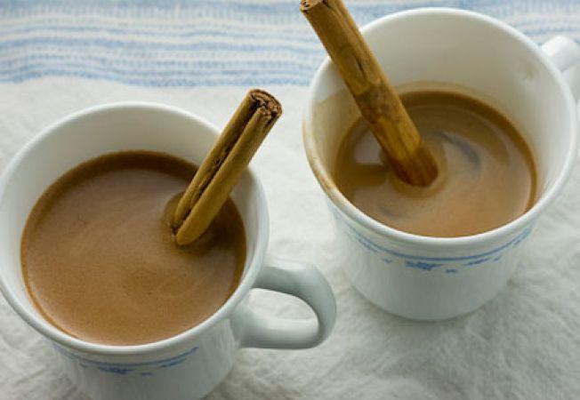 Ciocolata calda cu vanilie si scortisoara
