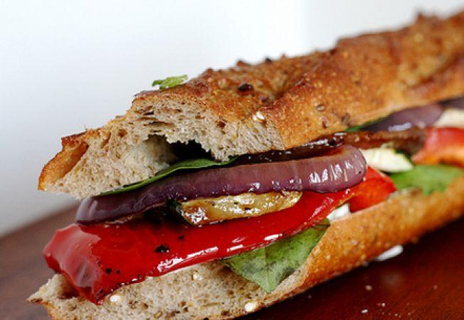 Reteta de post: sandwich vegetarian cu legume
