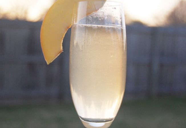 Cocktail French 75 cu gin si sampanie
