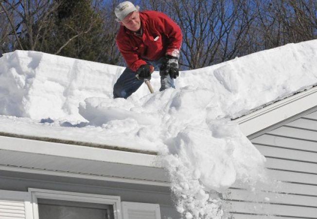 Cum sa indepartezi zapada de pe acoperis