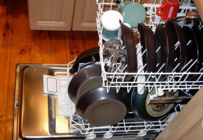 Masina de spalat vase: 7 ponturi pentru a o utiliza in siguranta
