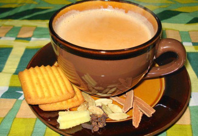 Ceai Masala Chai cu lapte de migdale si condimente