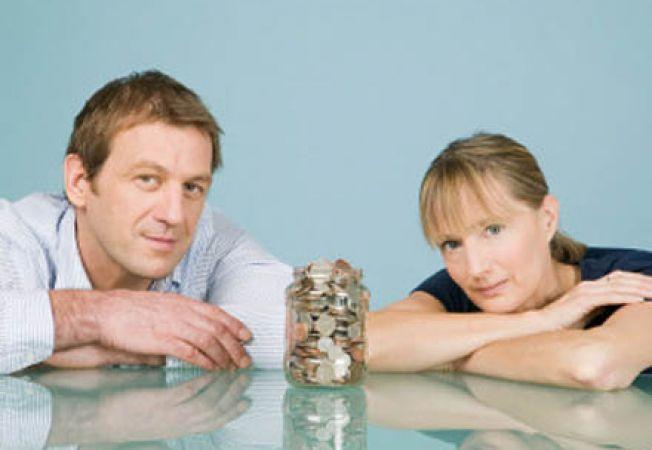 Banii si materialismul pot distruge relatia de cuplu